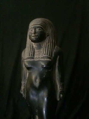 ANCIENT EGYPT EGYPTIAN STATUE Antiquities Queen CLEOPATRA Black STONE 332–300 BC