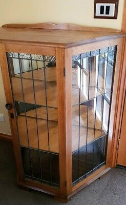 Beautiful Antique Oak Mirrored Back Crystal Display Cabinet Unit