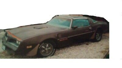 1977 Pontiac Trans Am  1977 with Hard to find Rare T-Top Trans Am