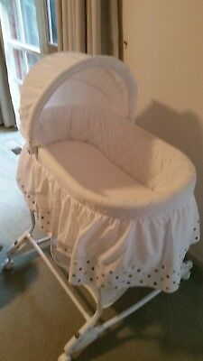 Baby co white baby bassinet