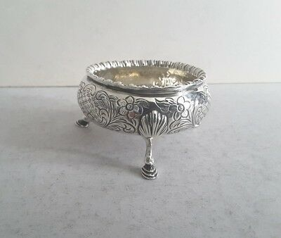 Pretty, Engraved Antique Solid Silver Cauldron Salt Cellar.      Lon.1849.