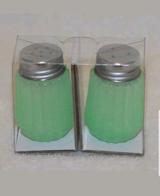 New Hearth and Hand Magnolia Jadet Green Glass Salt and Pepper