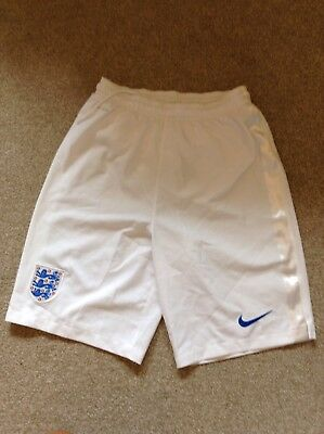 White England Boys Nike Football Shorts XL