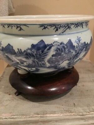 Antique Chinese Asian Porcelain Three Toed Blue and White Censor  Wooden Stand