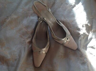 Ivory sling back shoes by Orlando never worn in box size 6.5