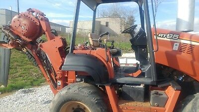 2005 RT-95 Ditch Witch Trencher
