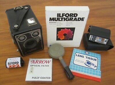 VINTAGE KODAK BROWNIE C 620 CAMERA w/Film + OLYMPUS LIGHT METER~FILTERS~BRUSH-GC