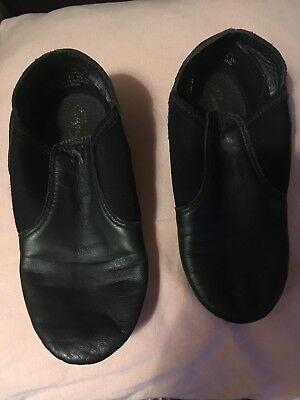capezio jazz shoes Child Size 1