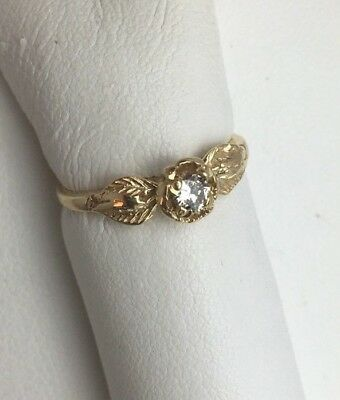 Vintage 14k Yellow Gold And Round Brilliant Diamond Solitaire Ring  Size 4 1/2