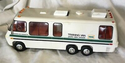 1978 made in Hong Kong HESS motorized Training Van Gasoline Station Personnel