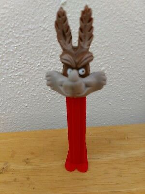 Vintage Wile E Coyote Pez Dispenser - 3.9 - Yugo