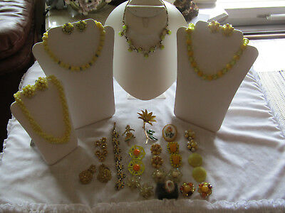 Estate Vintage 23PC Jewelry Lot,Necklaces,Earrings,Cameo,Ring