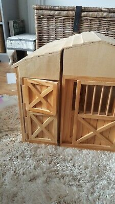 Large wooden stable very good condition horses doors open barn Christmas pressi