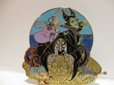 DIsney HKDL Beach Series Villains at the Beach Ursula Old Hag & Maleficent Pin