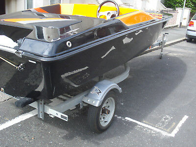 can split boat only speedboat mig  16ft custon new never touched water