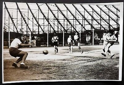 Vintage Press Photograph: 1952, Argentine Club Football Action Shot