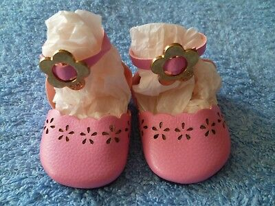 Baby clothes GIRL premature/tiny 5-7.5lbs/2.3-3.4kg length 7cm pink strap shoes