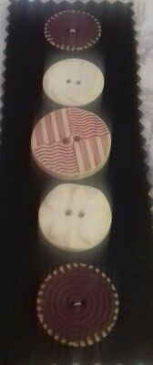 Antique Vintage Buttons Collectable 5 plastic  50's sewing craft knitting