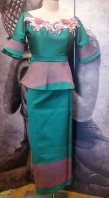 "Khmer modern mode Outfit turquoise/pink patterns on ""Japanese silk"""