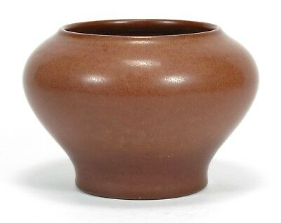 """Marblehead Pottery 5.5"""" dia undecorated matte brown squat vase arts & crafts"""