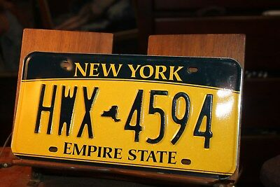2010 New York Empire State License Plate HWX 4594