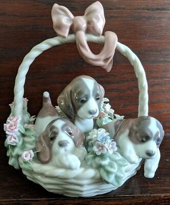 """LLADRO """"A Litter or Love"""" Basket of Puppies Spain Dogs Figurine #1441"""