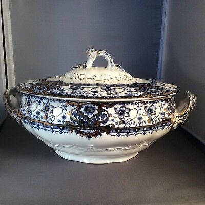 Blue & White soup tureen