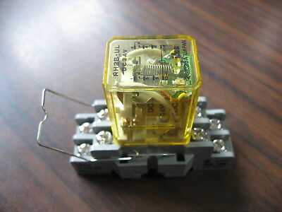 Idec RH2B-UL Cube Relay With SH2B-05 Base  (8 Pin Square, 24 VDC Coil)