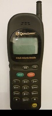 Vintage Airtouch Qualcomm QCP-820 Cellphone