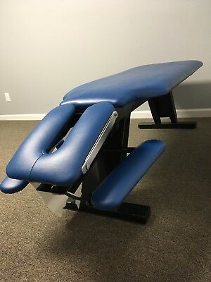 Chiropractic Adjusting Table With Tilting Headpiece
