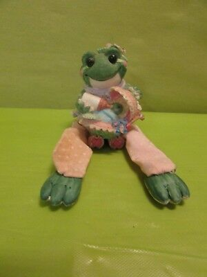 Small Frog And Baby Figurine