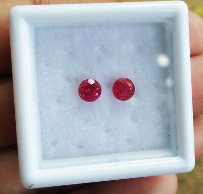 TOP COLOR! 4mm. PAIR of Round CORUNDUM BLOOD RED RUBY GEMs EXCELLENT CUT!