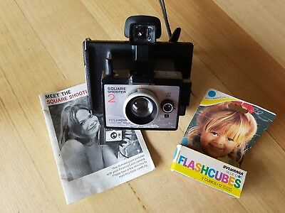 Vintage Polaroid Square Shooter 2 Land Camera + 3 flash cubes and instructions.