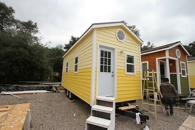 Tiny House DISCOUNTED SHOWROOM 9 x 22 CLASSIC BUNGALOW SINGLE LOFT 262 sq ft
