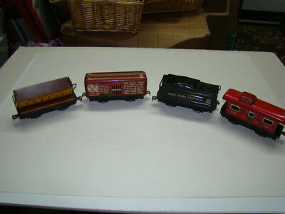 4 Tin Metal Toy Railroad Cars New York Central Lines & Union Pacific 1950's
