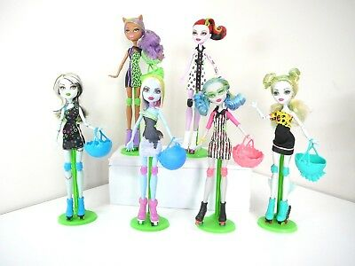 Monster High Dolls Roller Maze 2012 + stand + accessories all vgc you choose