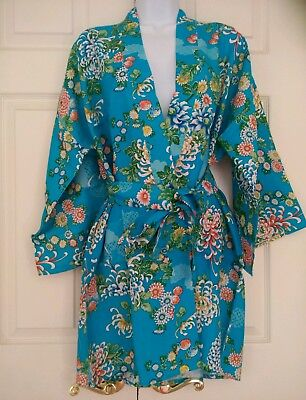 (NEW) 100% Rayon VINTAGE Japanese Short Kimono/Robe  Floral, Made In Japan