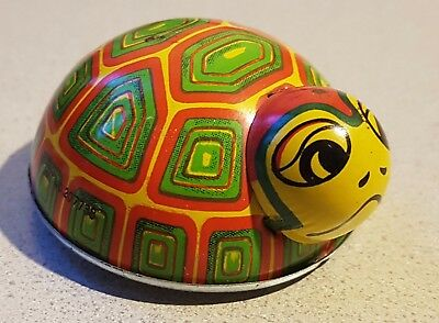 "Old Vtg Collectible Green Small 2"" Litho Friction Tin Toy Turtle Made Japan (A)"