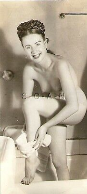 Org Vintage 40s-50s Nude Seppia Rp- Brunette- Bath Towel- Bathroom- Bathtub-