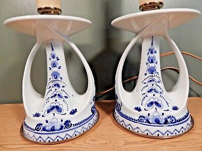 Antique Or Vintage Pair Of Hand Painted Blue And White Table Lamps