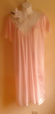 VINTAGE NYLON NIGHTGOWN soft pale pink Soft  Smooth 44 Large big lovely U LACEY