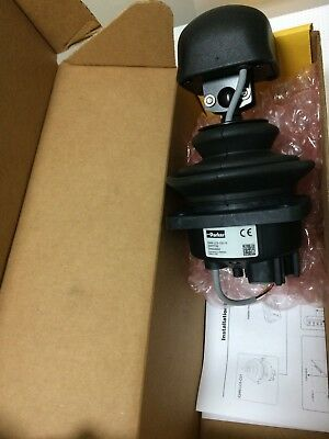 20077750  Large Canbus, Hall Effect, 2-Axis Joystick - Iqan-Lc5-C0X