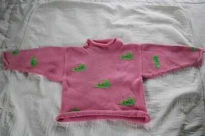 Claver 4T pink cotton rollneck sweater with green alligators