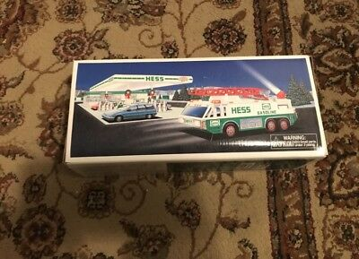 New 1996 Hess EMERGENCY TRUCK Brand New Collectible NIB