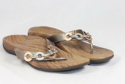 5e1034343262 ORTHAHEEL LOLA WOMENS Size 10 approx Brown Patent Thong Sandals Flip ...