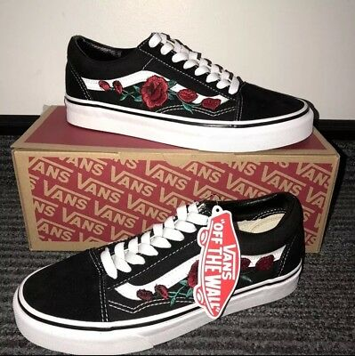 be1c66a0ef0e CUSTOM RED ROSE Black Vans Old Skool ANY UK SIZE - £79.99