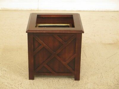 F44304EC: Mahogany Square Planter with Brass Insert