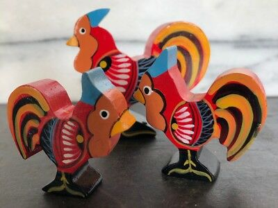 Vintage Lot Mexican Oaxacan Carved Hand Painted Chicken Set Figurines Rooster