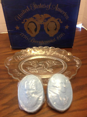 Avon USA United States of America 1776 Bicentennial 1976 Plate and Soap Set