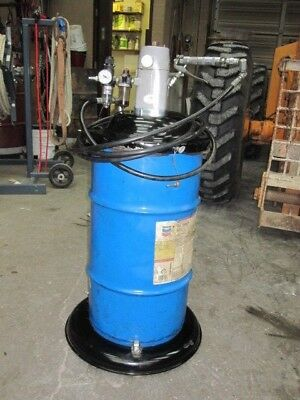 ARO grease pump and tank 7498 psi output approximately 80# of #2 grease in unit